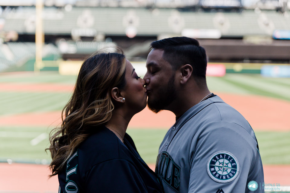 Troy and Jessica | Seattle Engagement Session